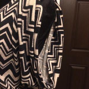 jonathan martin Dresses - Jonathan Martin Zigzag Print Dress